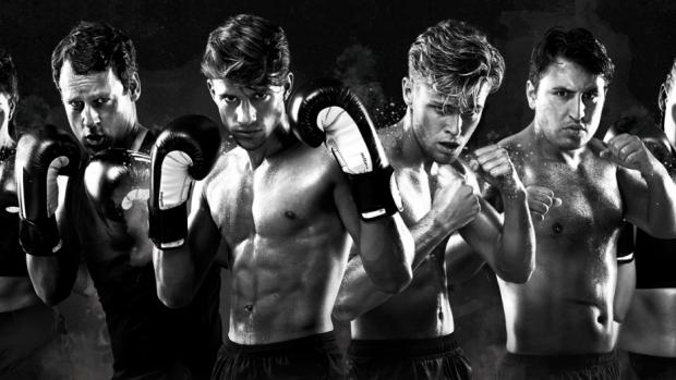 Kijkers Boxing Stars balen van talloze reclames