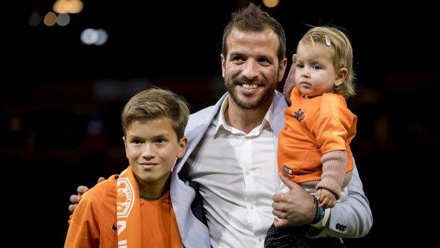 Rafael van der Vaart stopt per direct met voetballen