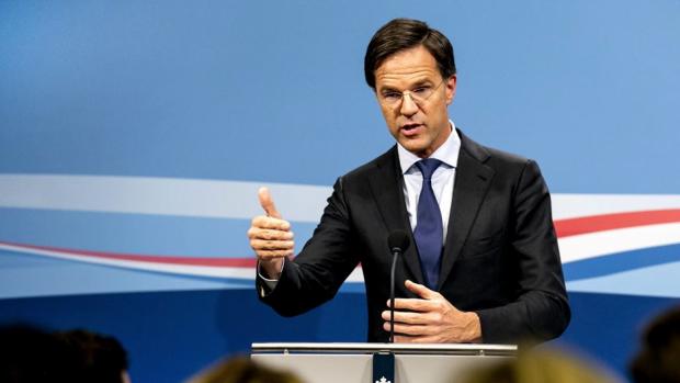 Rutte: 'Discussieer niet over Piet terwijl Sint in het land is'