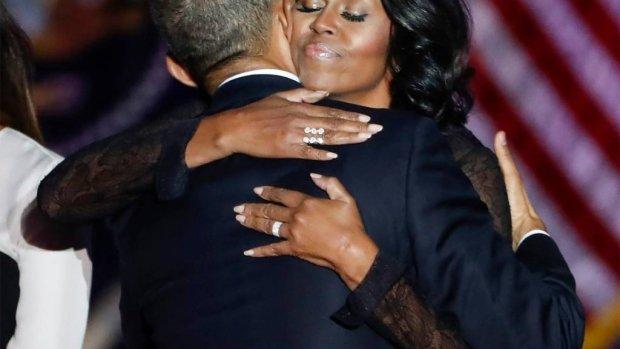 Barack Obama laat zich van meest romantische kant zien