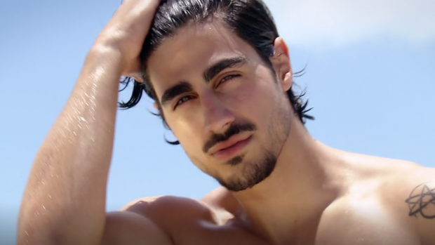 Oude vlam Viktor spoelt aan in Ex on the Beach