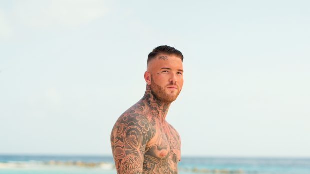 Michella Kox deelt oude schoolfoto van Ex on the Beach-Brody