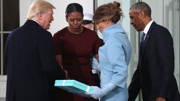 Michelle Obama wist zich geen raad met cadeautje Melania
