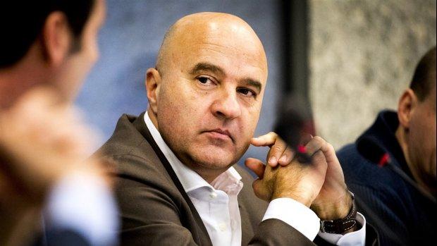 Interpol wijst arrestatiebevel John van den Heuvel af
