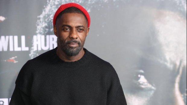 Halle Berry en Idris Elba reiken Golden Globes uit
