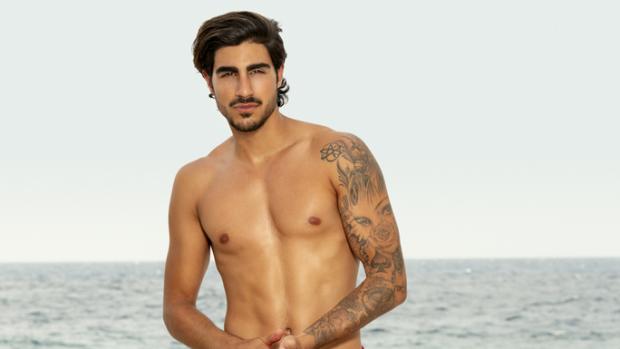 EOTB-Renan zet bizarre tattoo als aandenken