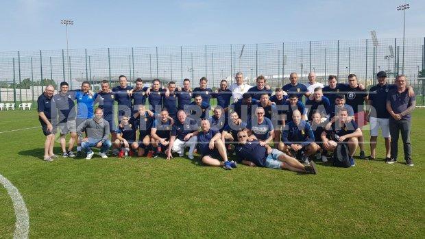 Wesley Sneijder neemt oud amateurelftal mee naar Qatar