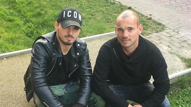 Wesley Sneijder mist allereerste wedstrijd tegen broertje Rodney