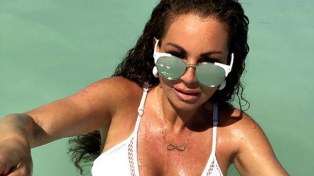 Michella Kox host haar eigen Temptation Island-party