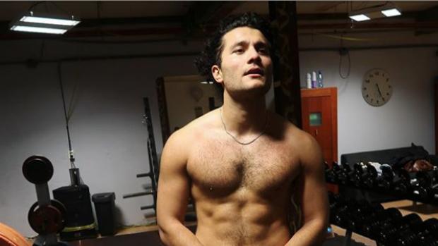 GTST-acteur Alkan toont transformatie