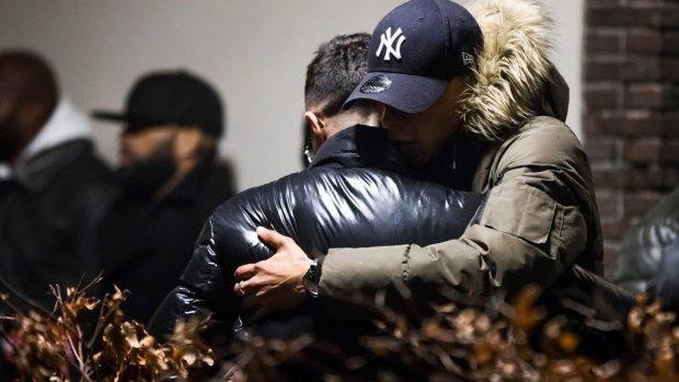 Broer doodgeschoten rapper Feis uit coma