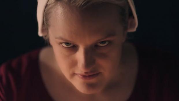 Nieuwe trailer Handmaid's Tale schudt je wakker
