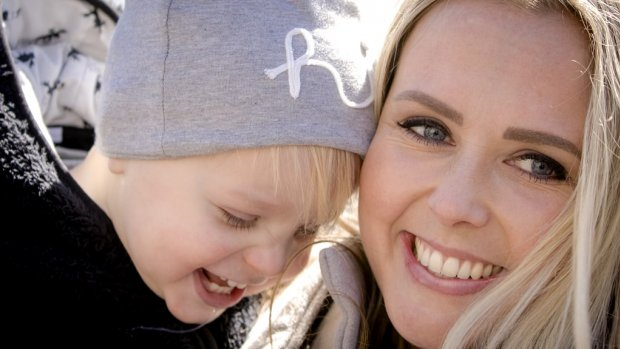Monique Smit moest zwangerschap geheimhouden