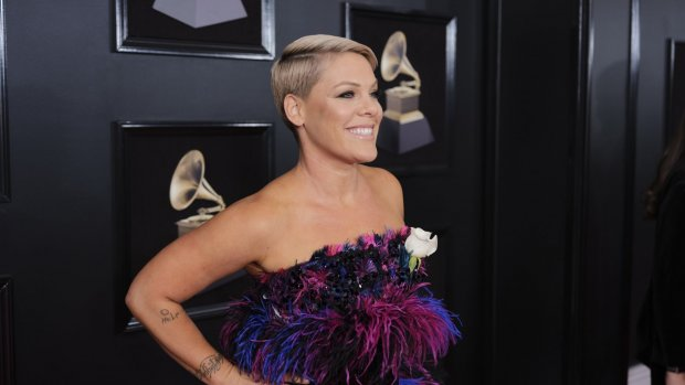 P!nk eerste internationale winnaar speciale BRIT Award