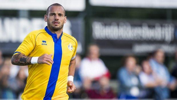'Wesley Sneijder niet geblesseerd maar geschorst bij Al-Gharafa'