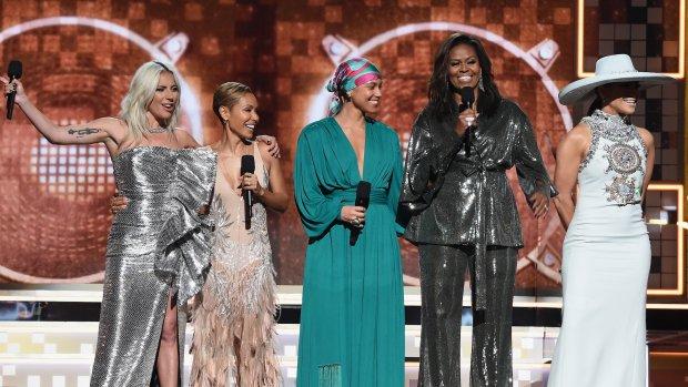 Michelle Obama maakt opwachting tijdens Grammy's