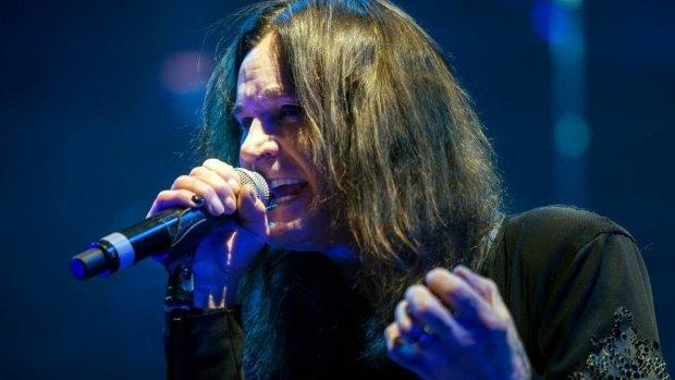 Zieke Ozzy Osbourne moet shows wéér afblazen
