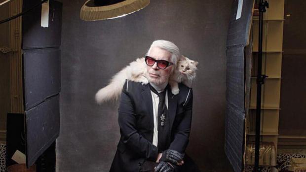 Poes Karl Lagerfeld mist haar 'papa' vreselijk