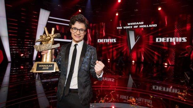 Oeps! The Voice-winnaar Dennis verliest enorm geldbedrag