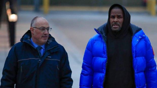 R. Kelly na vrijlating als eerste langs de McDonald's