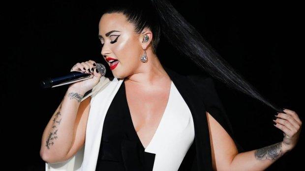 Demi Lovato weer vrijgezel