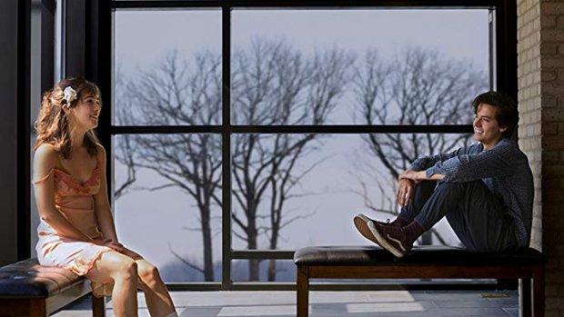 Tweelingbroer Cole Sprouse in tranen door Five Feet Apart