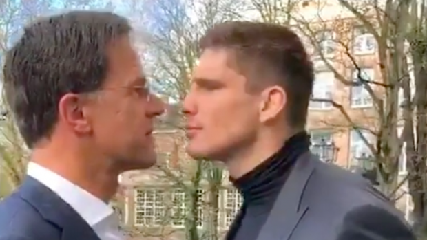Mark Rutte krijgt lesje van Rico Verhoeven
