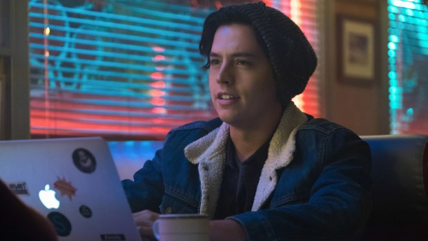 Riverdale-acteur Cole Sprouse is nu ook zanger