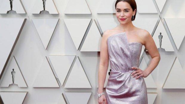 Emotionele Emilia Clarke dankbaar voor steun fans