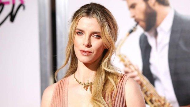 GLOW-actrice gecast voor nieuwe thriller The Hunt