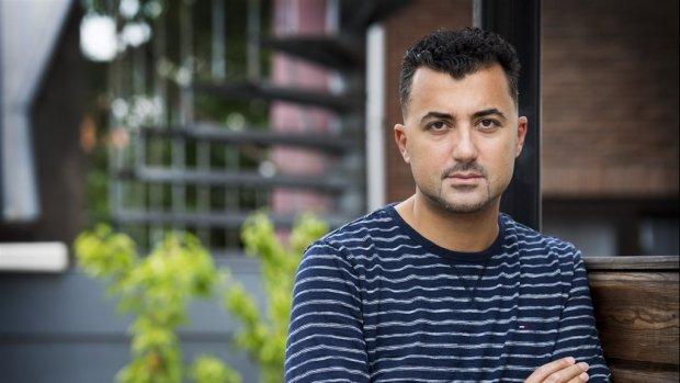 Man die schrijver Özcan Akyol stalkte weer op vrije voeten