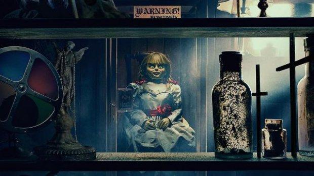 Dit is de lugubere horrortrailer van Annabelle