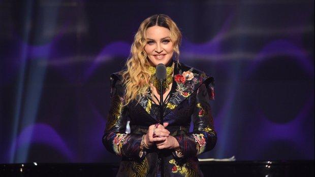 It's official: Madonna treedt op tijdens het songfestival