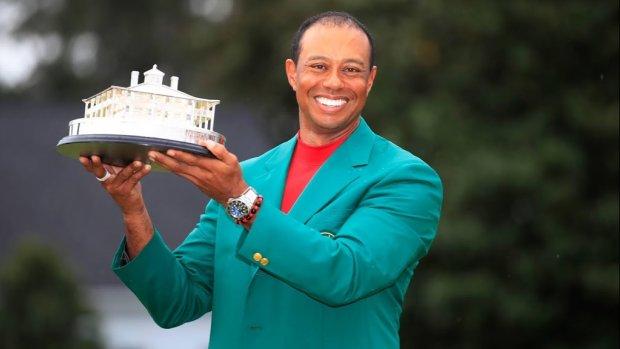 Celebs overspoelen Tiger Woods met liefde na winst
