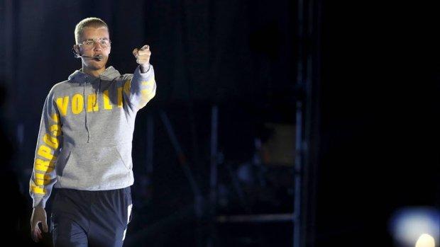 Justin Bieber geeft verrassingsoptreden op Coachella