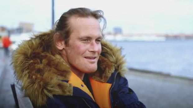 Comeback ex-dakloze Patrick maakt diepe indruk op kijkers
