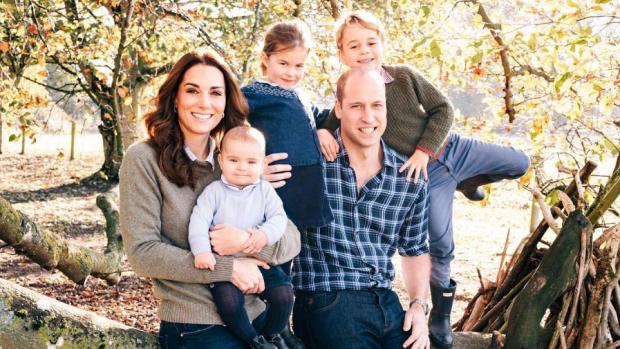 Britse royals vieren verjaardag Charlotte met nieuwe foto's