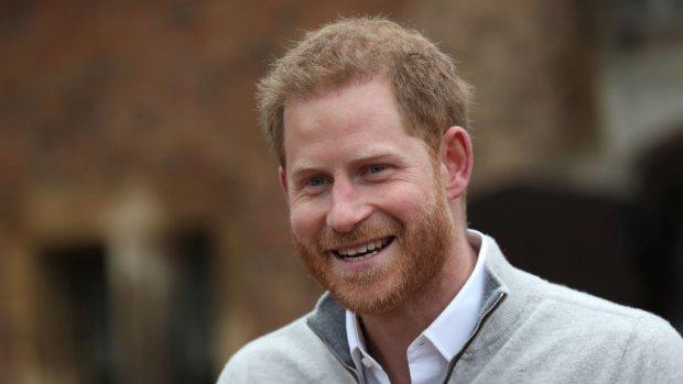 Prins Harry eert Diana bij geboorte zoon