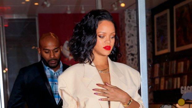 Zangeres Rihanna lanceert eigen kledinglijn