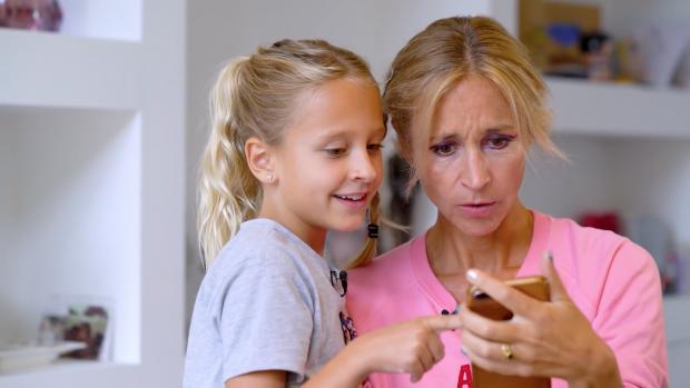 Wendy van Dijk krijgt extreme make-over van dochter