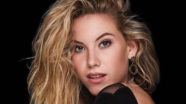Jessie Jazz Vuijk gekroond tot mooiste vrouw van Nederland