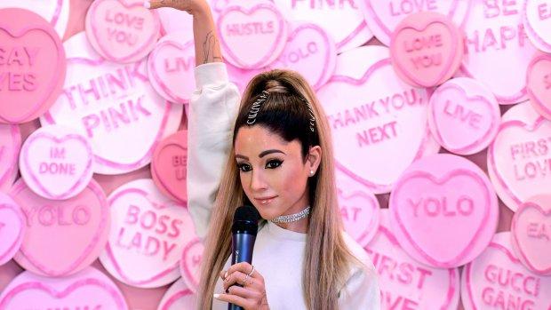 Ariana Grande niet te spreken over wassen beeld