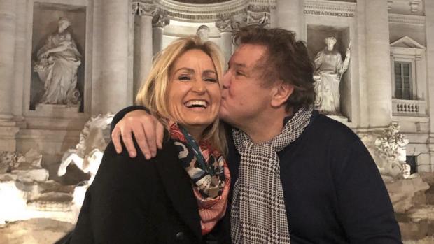 Natasja brengt ode aan René Froger op jubileum