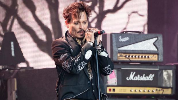 Fans diep onder de indruk van zingende Johnny Depp