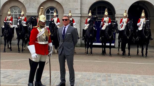 Opnames James Bond 25 in straten van Londen