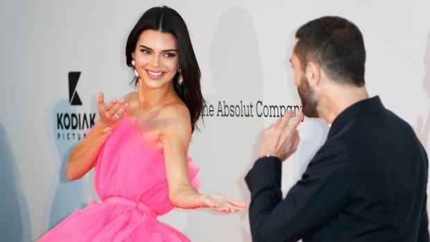Kendall Jenner valt opnieuw voor basketballer