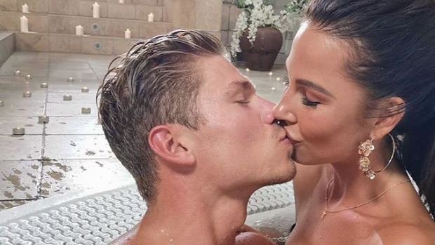 It's official: Love Island-Stenn en Rowéna hebben een relatie