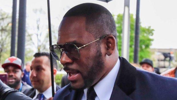 Advocaat kan R. Kelly niet meer vinden
