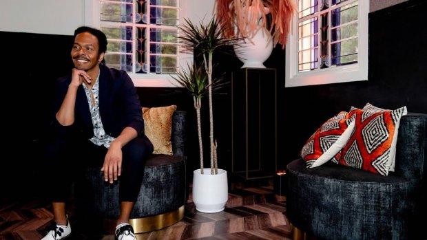 Jeangu Macrooy blijft in 2021 Nederlandse songfestivalkandidaat
