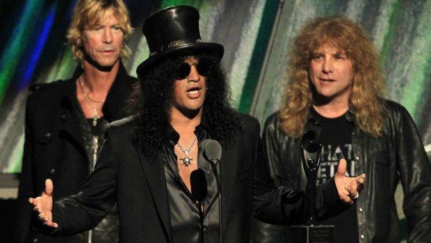 Dertig fans gearresteerd bij show Guns N' Roses